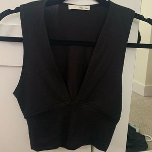 Hardly ever worn black v-neck top from Aritzia!